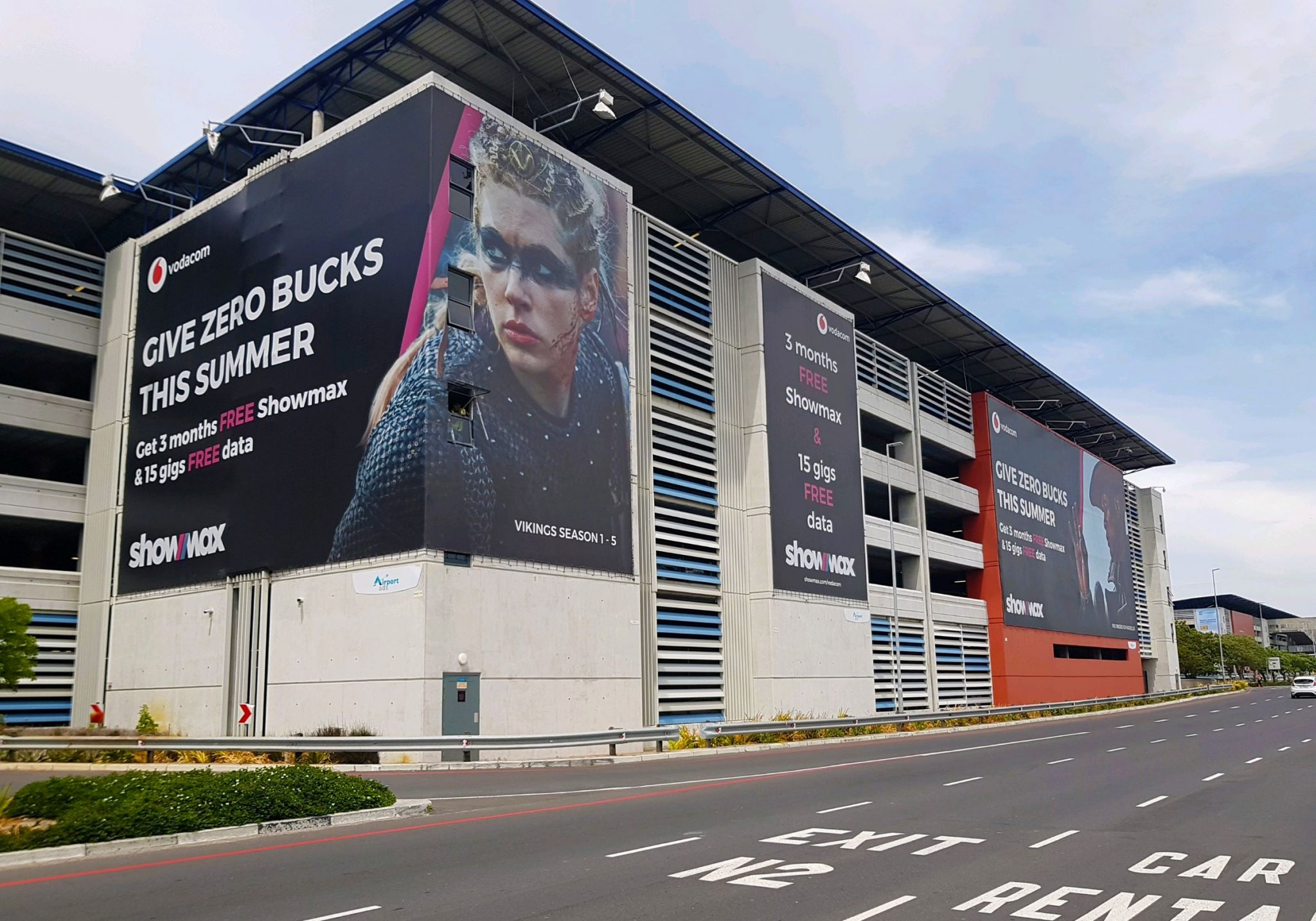 Showmax goes big with Airport Ads at Cape Town International