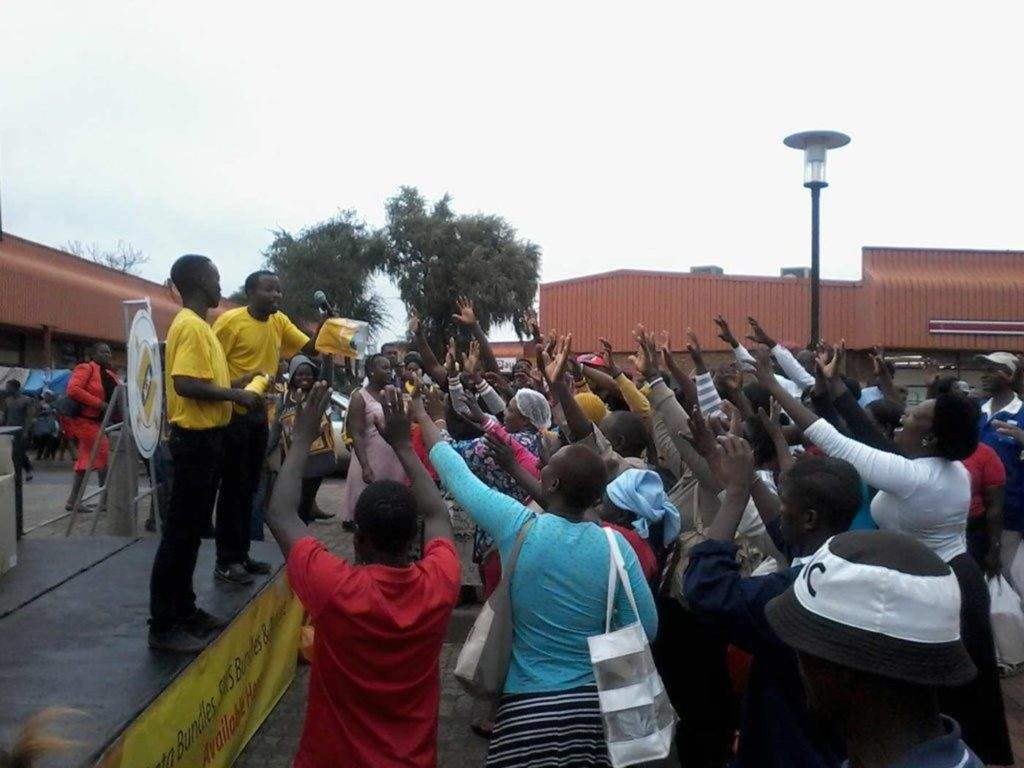 MTN Shoppa Show brand activation with excited consumers